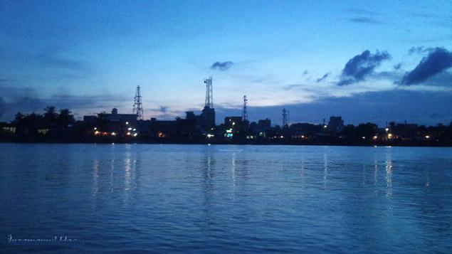 ভৈরবে (দড়াটান) বুকে বাগেরহাট শহর।